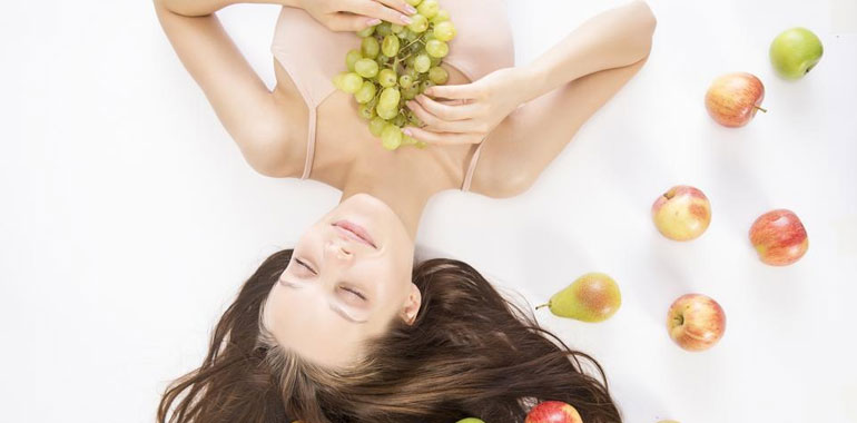 How to Reduce Hair Loss Through Proper Nutrition